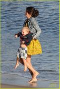 th 32454 Selenatag7 123 119lo Selena Gomez   hanging with family at a beach in Malibu 02/17/12