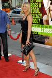 th_11728_JenniferAniston_HorribleBossespremiere_Hollywood_300611_038_122_244lo.jpg