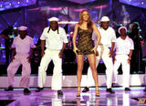 Mariah Carey Just one with her pooch Foto 728 (Марайа Кэри Лишь один со своей дворняжка Фото 728)