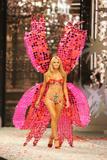 th_12559_Victoria_Secret_Celebrity_City_2008_FS_358_123_822lo.jpg